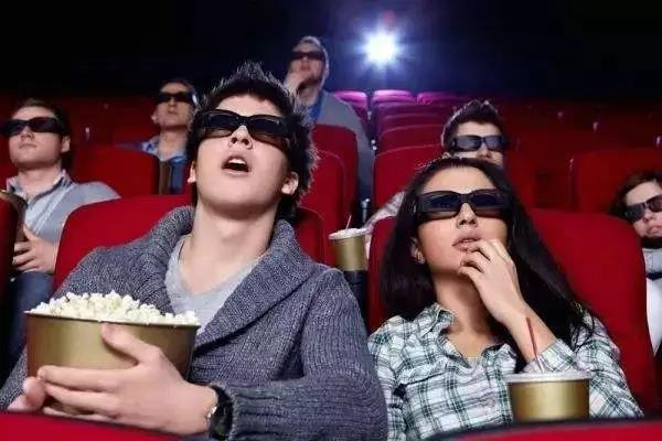 看3D电影要花20元买眼镜 观影时间到再放15分钟广告