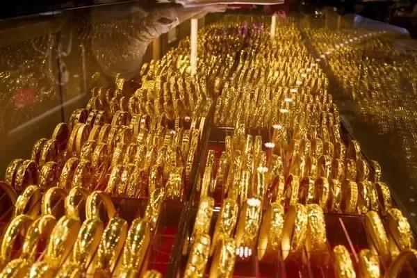 怎么选择适合自己的珠宝?预算、品种要有数,黄金最实在